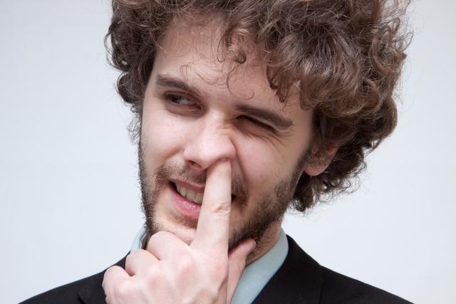潔癖症の私は鼻をほじるヤツに触られるとキレそうになる!